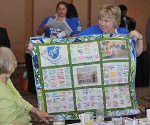 ECE Breakfast: Quilt door prize at Convention 2012