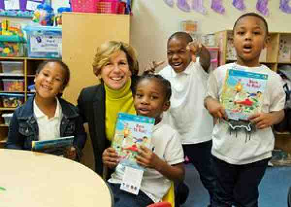 Randi Weingarten and children at First Book distribution in Baltimore, MD.