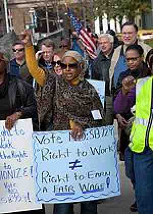 Members rally in Detroit