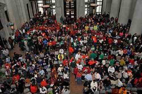 Ohioans rally at State House