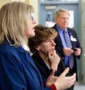 Randi Weingarten at Montana environmental lab. Photo by Jason Savage.