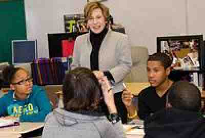 Randi Weingarten with students in OK City