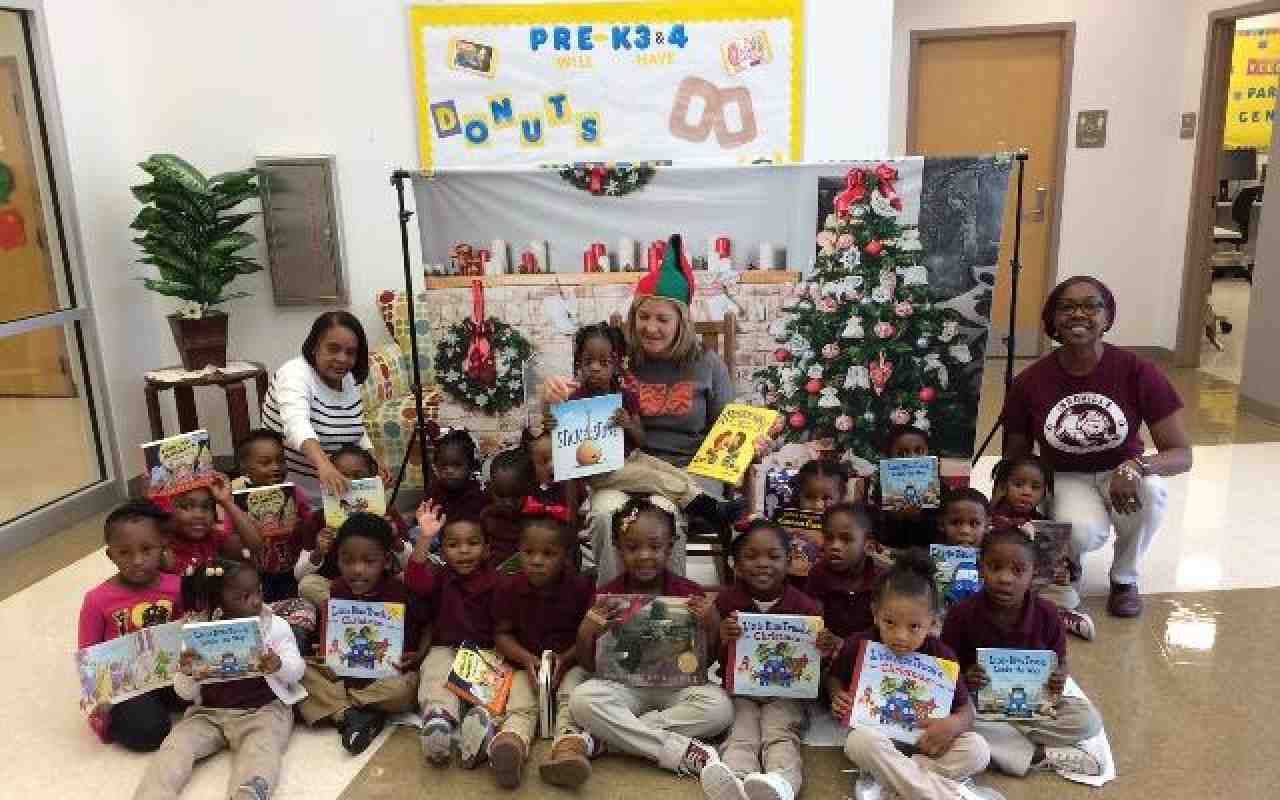 Louisiana kids receive books