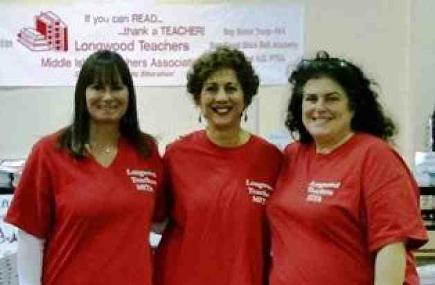 Middle Island Teachers Association volunteers