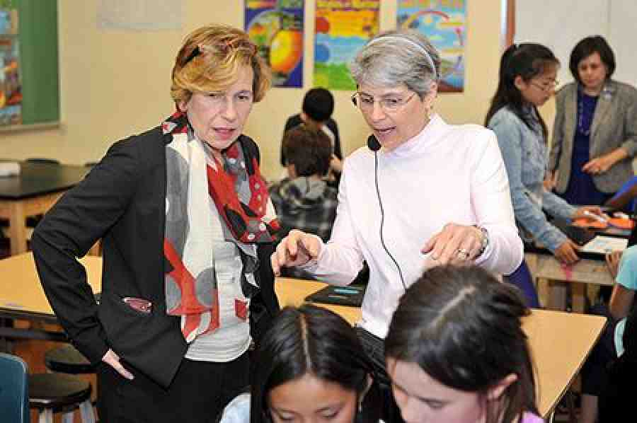 Randi Weingarten at Roosevelt MS, San Francisco