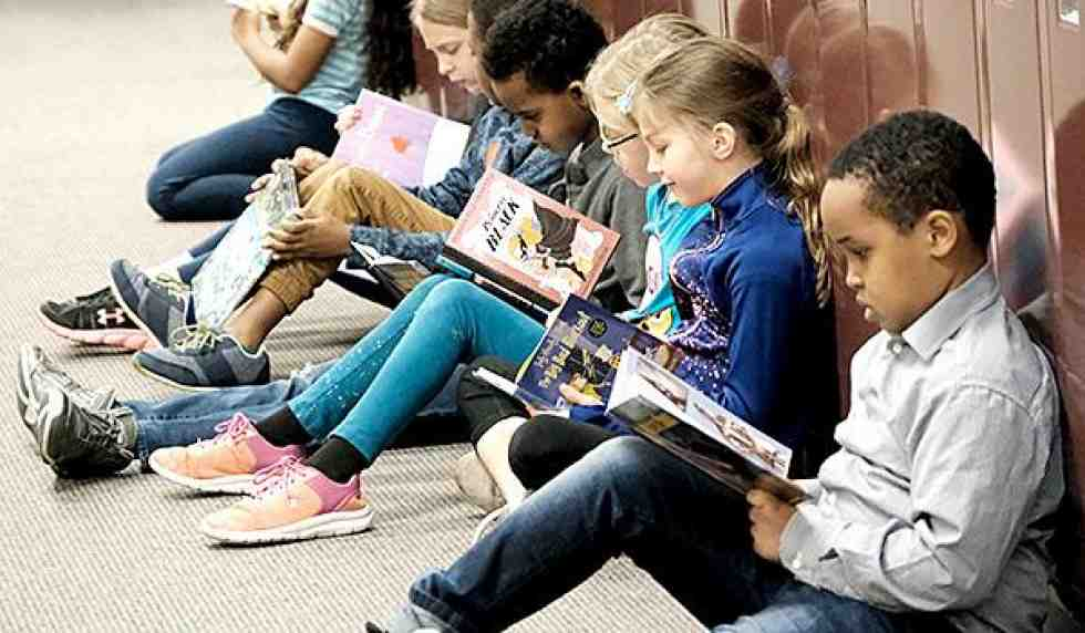 focusing children read their first books