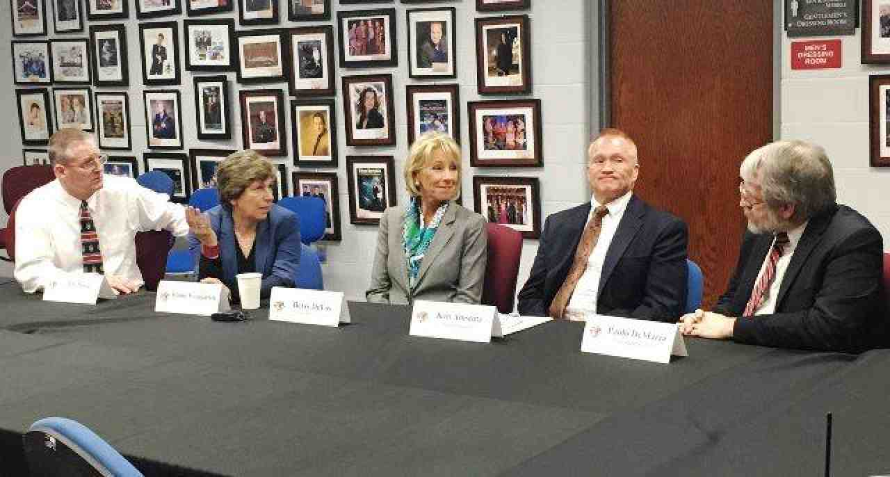 Weingarten, DeVos and others in Van Wert